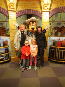 Dinner at Goofy's Kitchen to kick off our Disneyland Vacation!